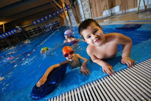 Health Warning Diarrhea Caused By Parasites In Swimming Pools Water Playgrounds Doubled Since 2014
