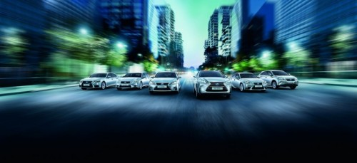 """LEXUS TOPS THE CONSUMER TRUST"""" CATEGORY OF THE """"AUTO DEALER OF THE YEAR"""" AWARD IN RUSSIA"""