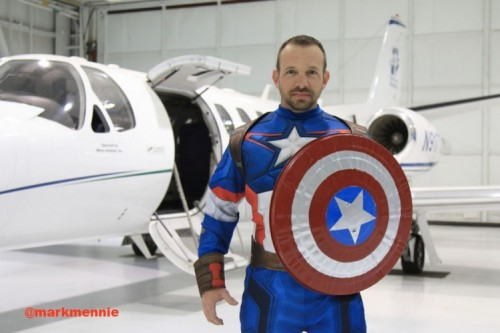 Dall remembers telling the medical crew on Teddy Bear Transport about the suit. He asks them to access the situation and see if it was right for the suit.  sc 1 st  Checkup Newsroom & Pilot Wears Captain America Costume to Calm Patientsu0027 Fears