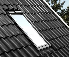 velux solar dakraam nu ook beschikbaar in de nieuwe generatie. Black Bedroom Furniture Sets. Home Design Ideas