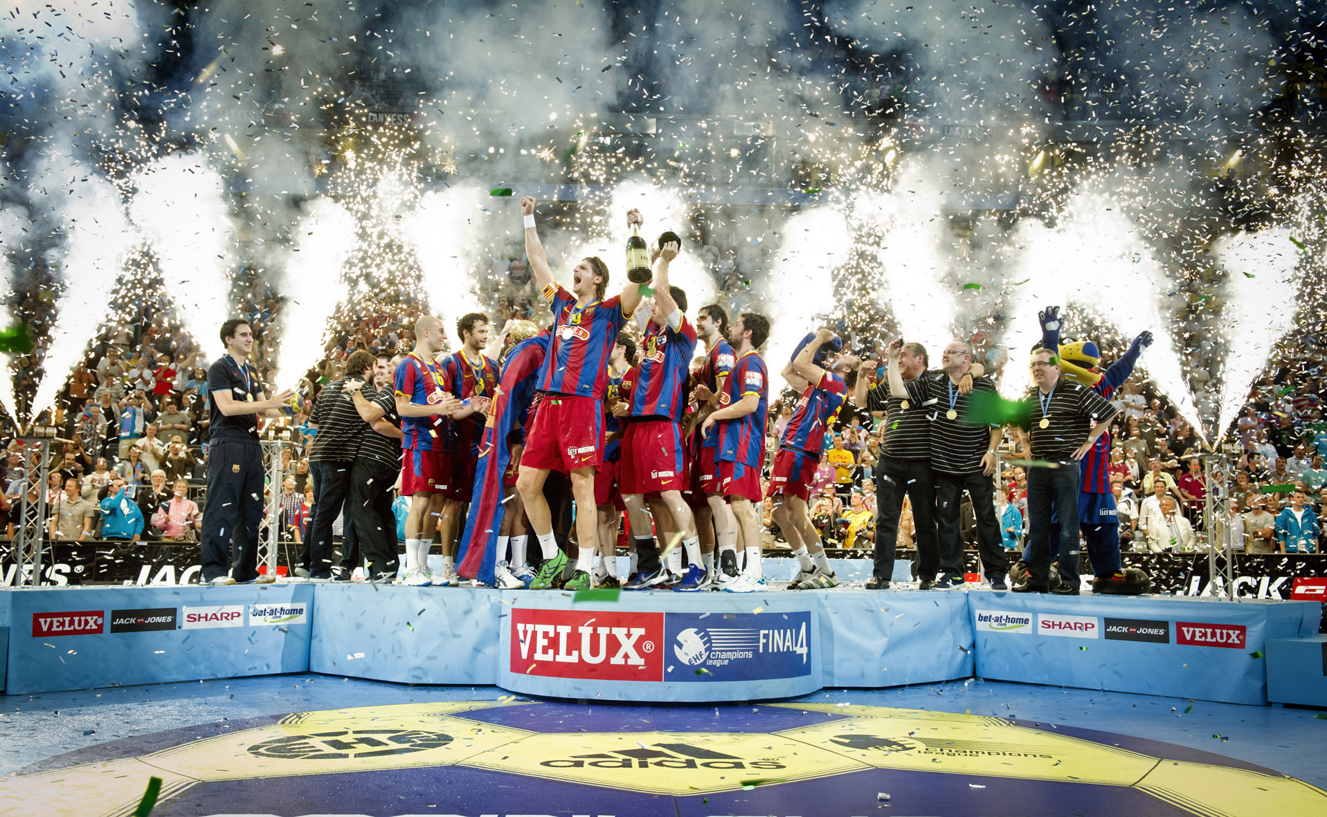 Winnaars VELUX EHF Men's Champions League 2010-2011.jpg