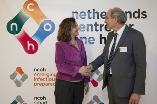 Dutch Minister Edith Schippers and Anton Pijpers (Utrecht University / NCOH)