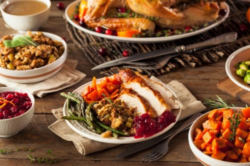 HE&R chefs offer Thanksgiving meals to go