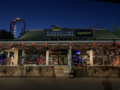 Trick Or Treat at 13 Candy Stops During Hersheypark In The Dark