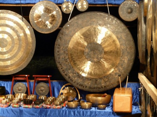 In Japan, Buddhist temples ring out with gongs to usher in the New Year.