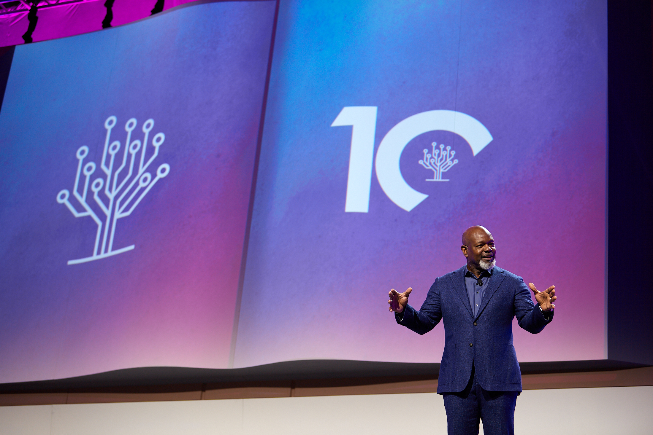 Emmitt Smith, NFL all-time running back and Super Bowl MVP, keynotes RootsTech 2020 Salt Lake.