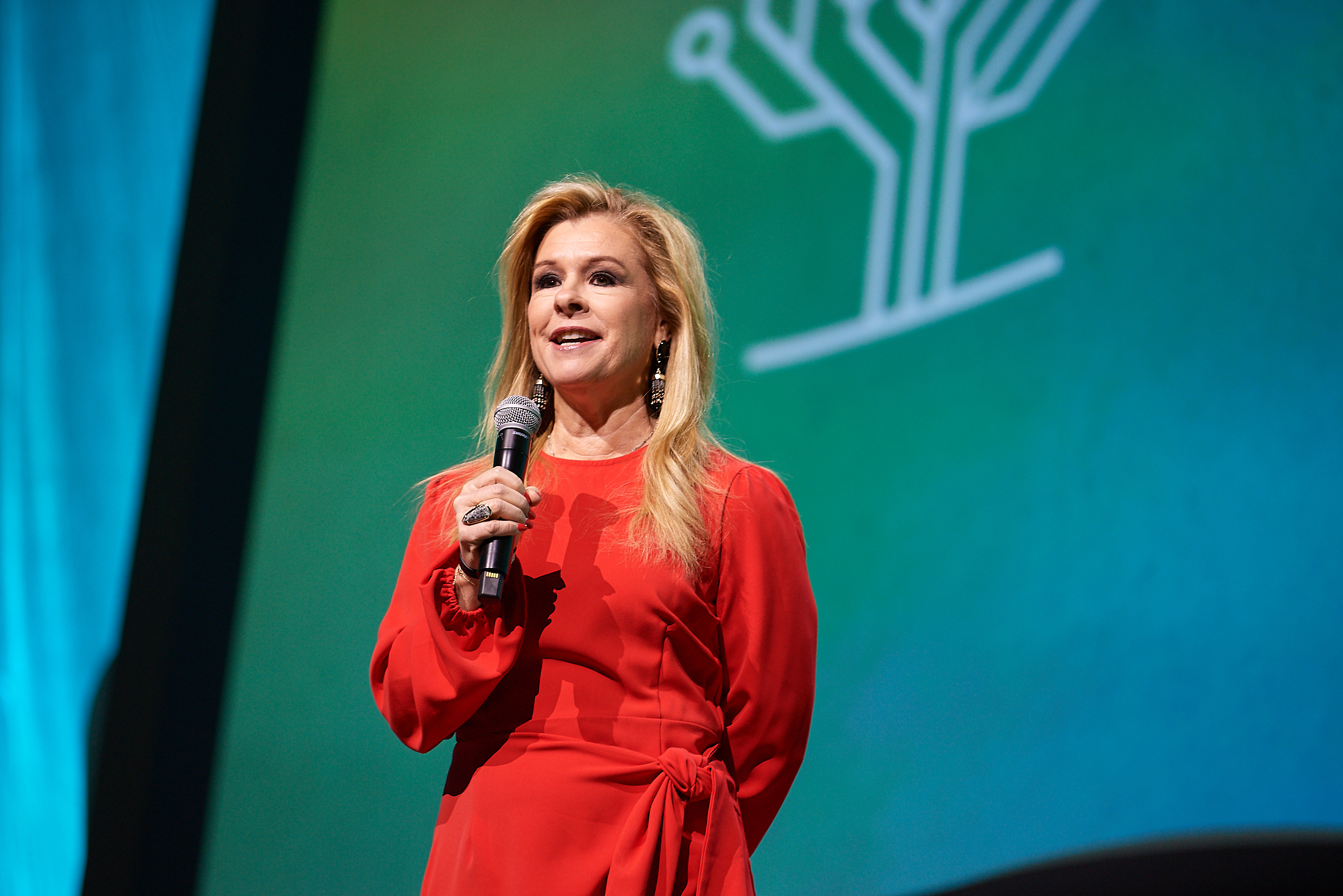 Leigh Anne Tuohy, inspiration behind The Blind Side movie, keynotes at RootsTech 2020 Salt Lake.