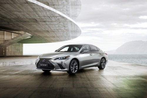 THE ALL NEW LEXUS ES A HIGHER LEVEL OF PERFORMANCE AND SOPHISTICATION