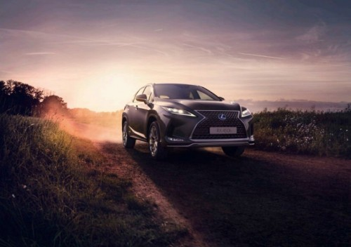 7 AMAZING DETAILS OF THE 2020 LEXUS RX