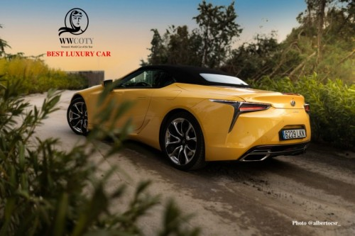 LEXUS LC CONVERTIBLE NAMED THE BEST LUXURY CAR OF 2021 IN THE WOMEN'S WORLD CAR OF THE YEAR AWARDS