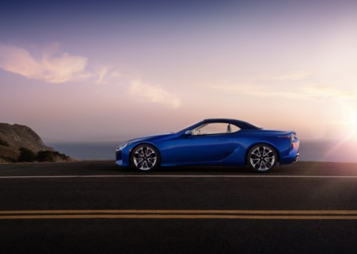 CABIN CALM AND A CHORUS OF POWER IN THE LEXUS LC CONVERTIBLE