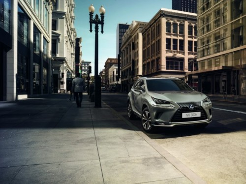 LEXUS NX WINS AWARD FOR BEST HYBRID CAR IN THE UK