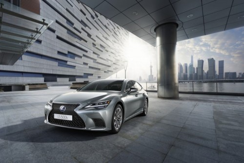EUROPEAN PREMIERE OF THE NEW LEXUS LS