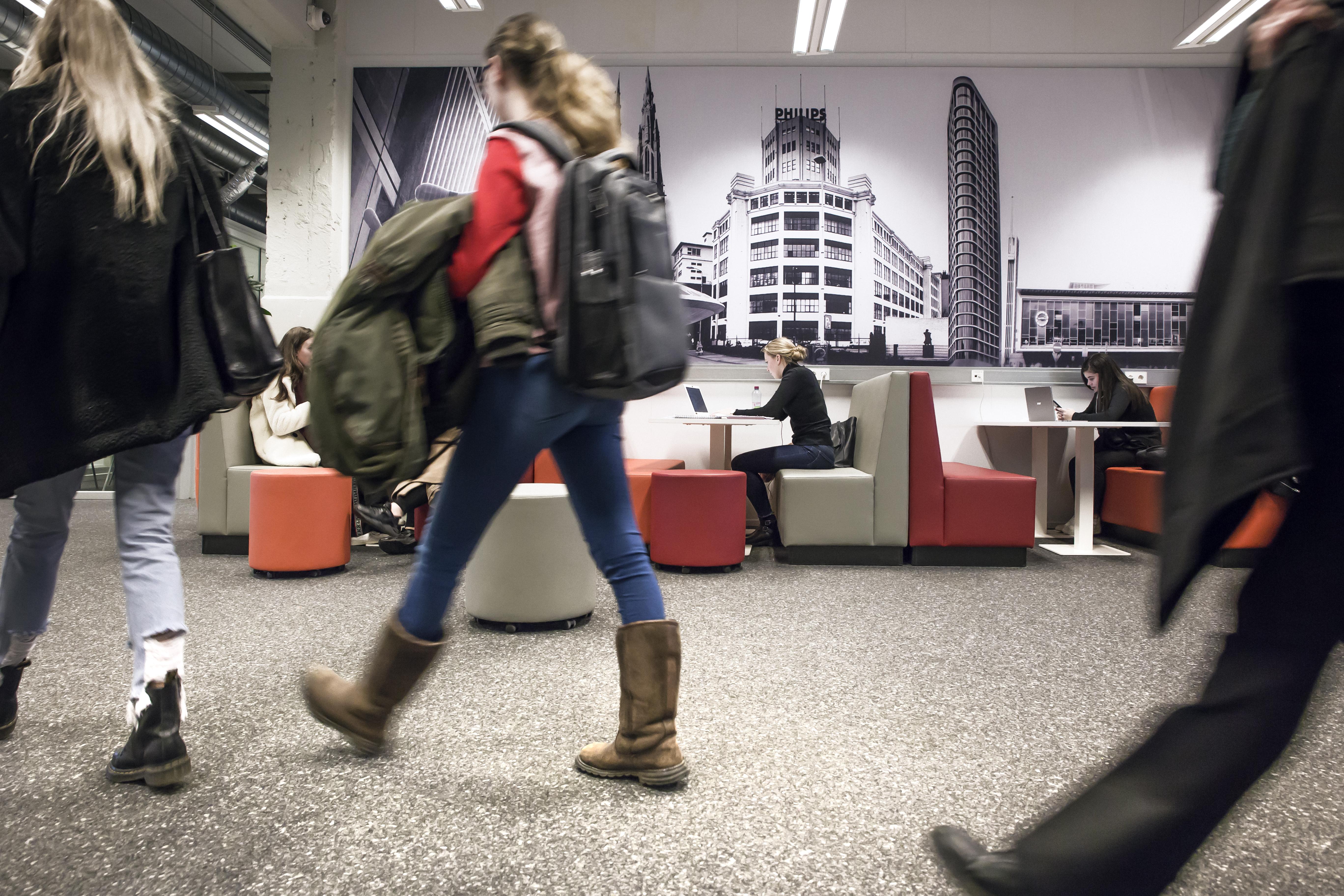 Studiewerkplekken bij Fontys in Eindhoven.