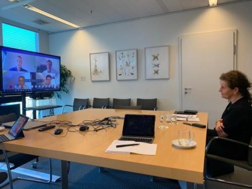 De minister op digitaal werkbezoek bij de dienst Marketing en Communicatie van Fontys.