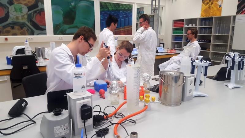 Laboratoriumonderzoek bij Fontys