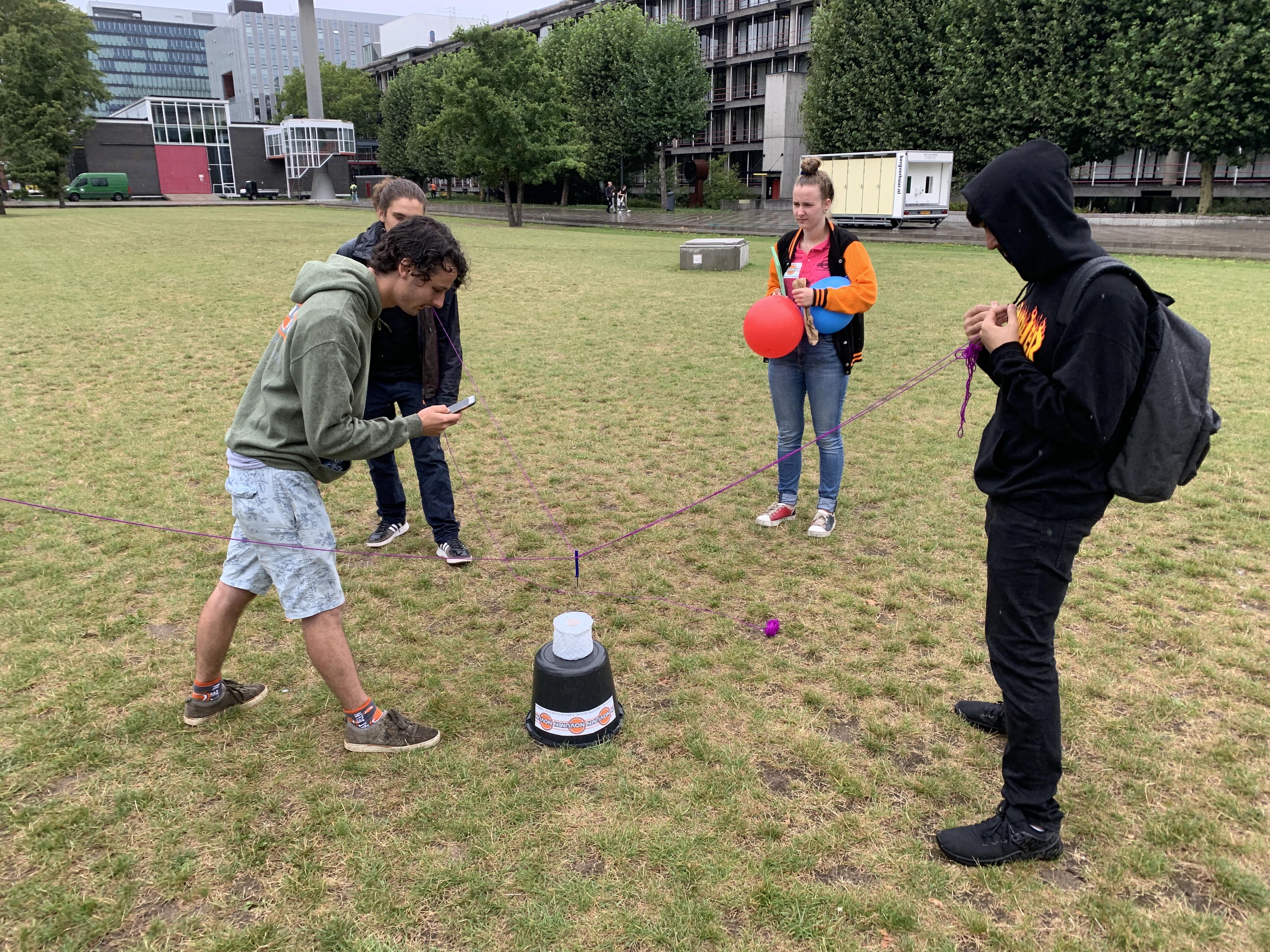 Een coronaproof introductieprogramma voor eerstejaars bij Fontys. Die kregen na de zomer ook voorrang bij fysieke lessen.