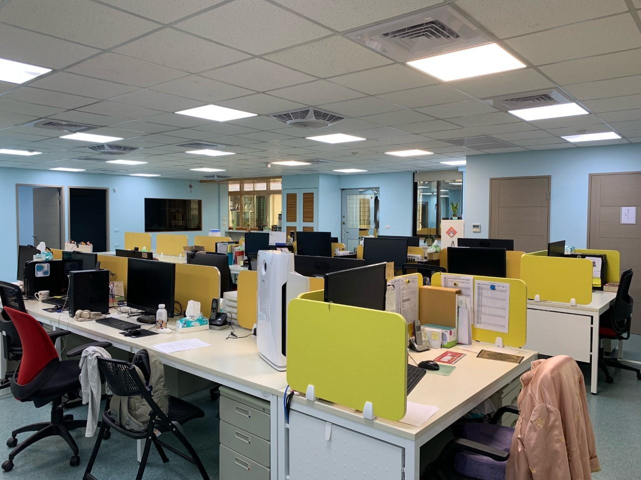 Een blik op de werkplek van Annie in Taipeh.