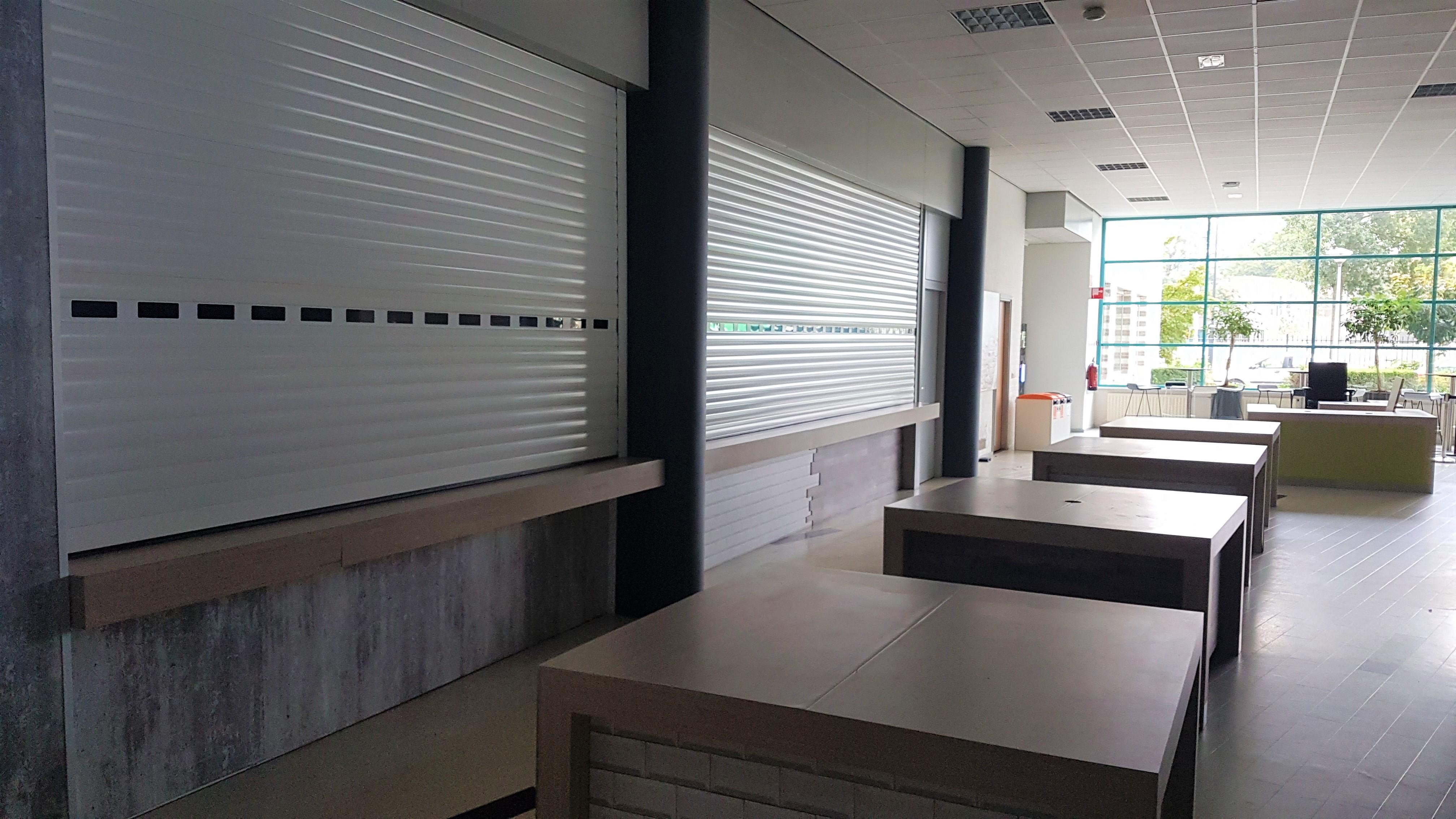 Het restaurant in Fontys-gebouw R3/R4 in Eindhoven is al maanden niet in gebruik.