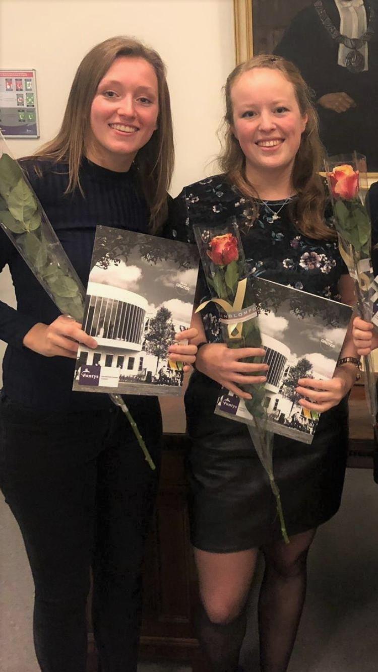 Mariska (links) en Nicole
