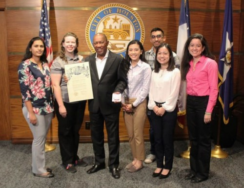 Photo Credit: City of Houston ((L to R) ACS-GHS Chair Snigdha Chennamaneni, ACS-GHS Chair-elect Crystal Young, Mayor Sylvester Turner, UST ACS President Nikki Nguyen(student), UST ACS secretary Alison Tran (student), ACS-GHS Past Chair Catherine Faler, and ACS-GHS director Kevin Ramírez