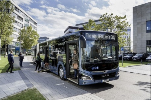 The MAN Lion's City 19 EfficientHybrid spans 18.75 metres in length and sees MAN growing its new generation of city buses with an appealingly cost-efficient solution for inner-city transportation.