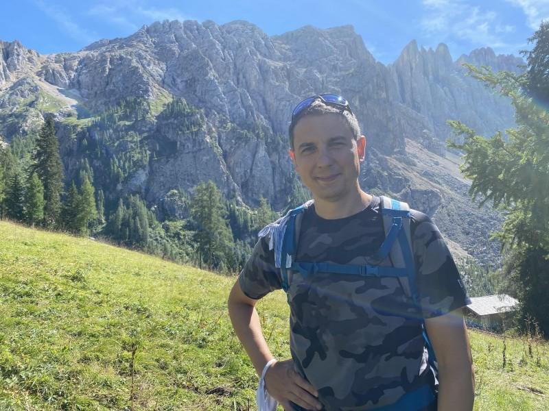 Marco Bellini Hiking