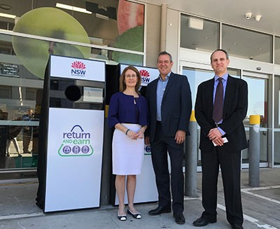 Gabrielle Upton, NSW State Government Environment Minister; Steve Greentree, Managing Director at Woolworths FoodCo; and Markus Fraval, Director of Strategy & Business Development at TOMRA Collection