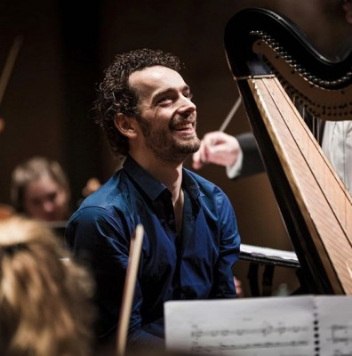 Overdracht Grootste Harp Ter Wereld Réus 49 Aan Remy Van